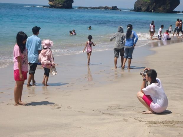 Cewek di pantai